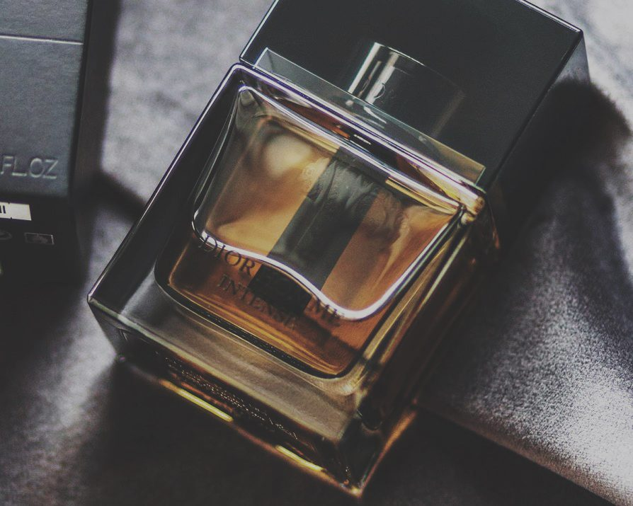 It was a gorgeous fragrance indeed - elegant, sexy, dark, luxurious. It smelled with confidence and charm. I fell for it and have been using ever since. Being perfect for any occasion it has not failed me once.