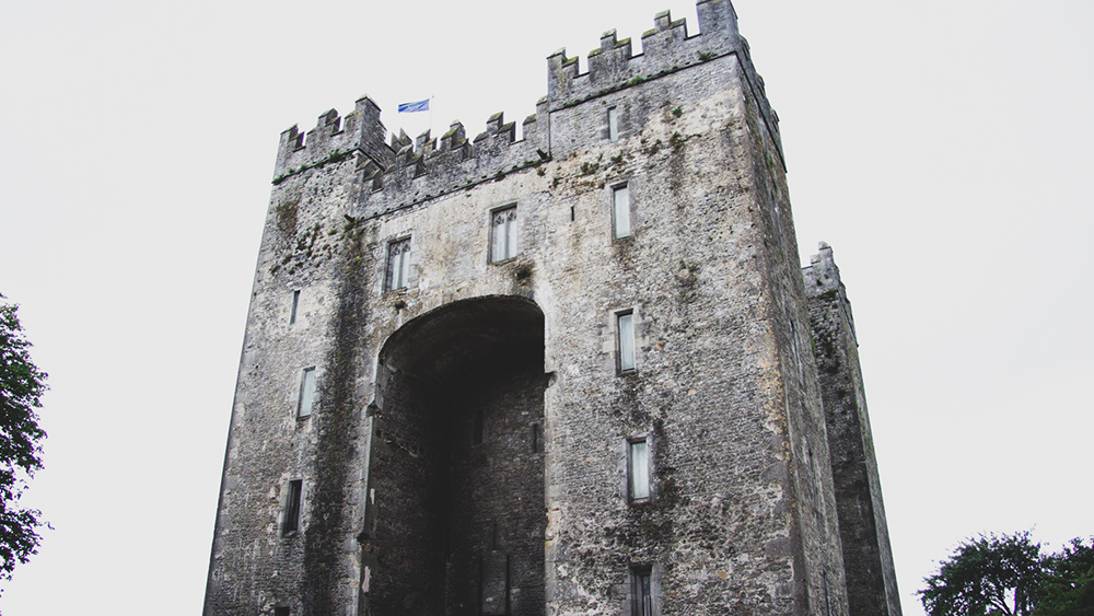 Bunratty Castle - 1 Story That'Ll Convince You To Visit - Bunratty Castle